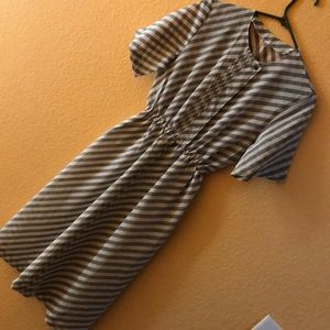 vtg stripped short sleeve dress